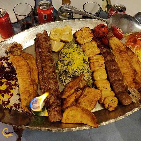 سینی غذای خوشمزه رستوران عالی قاپو تهران