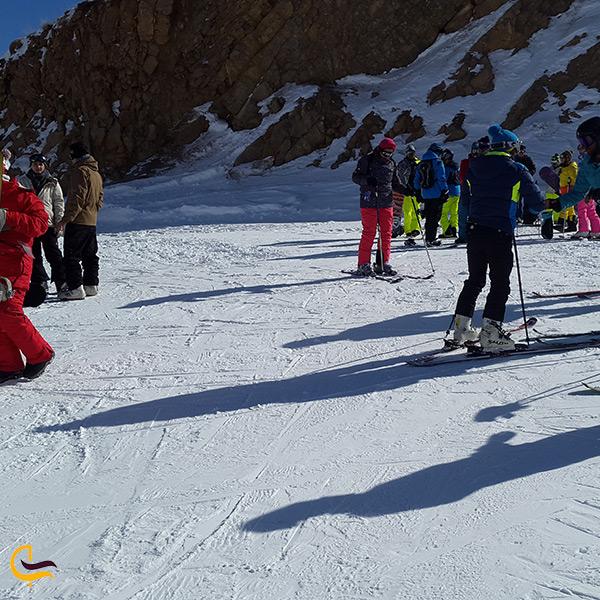 اسکی گروهی در پیست شمشک