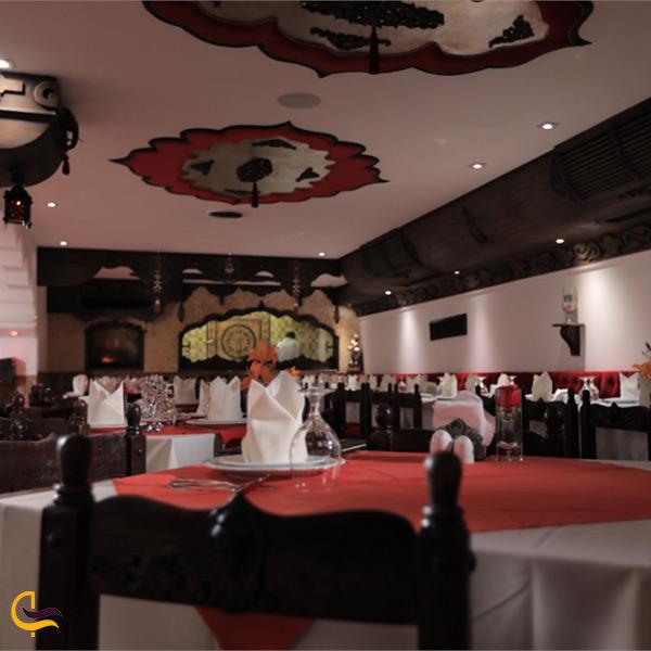 نمای داخلی رستوران تاج محل تهران