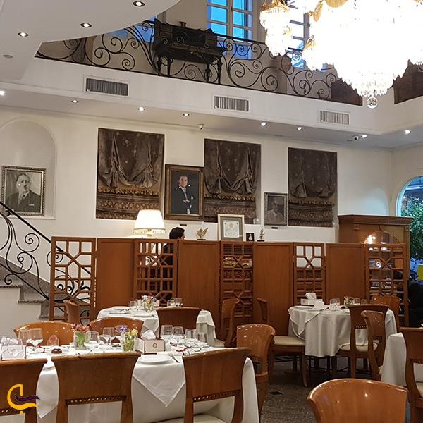 فضای داخلی رستوران نایب