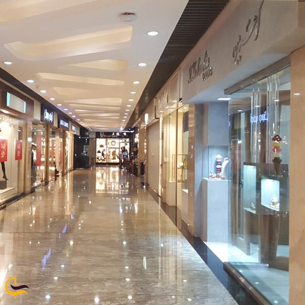 تصویری از مغازه های پاساژ پلادیم تهران