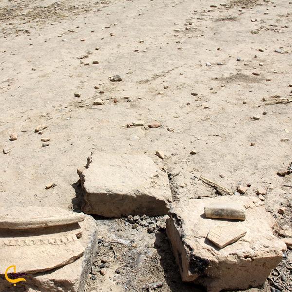 آثار باقی مانده از تپه باستانی چغامیش