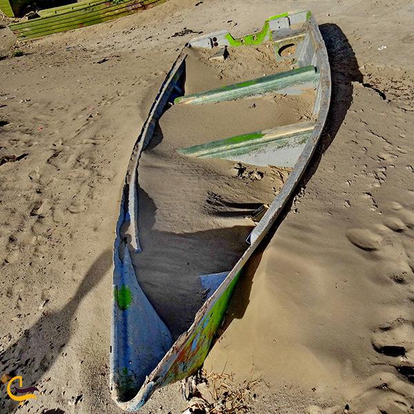 قایق های به گل نشسته دریاچه هامون