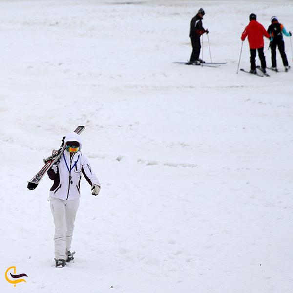 اسکی در پیست دیزین