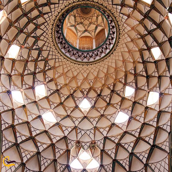 سقف زیبای خانه بروجردی ها در کاشان