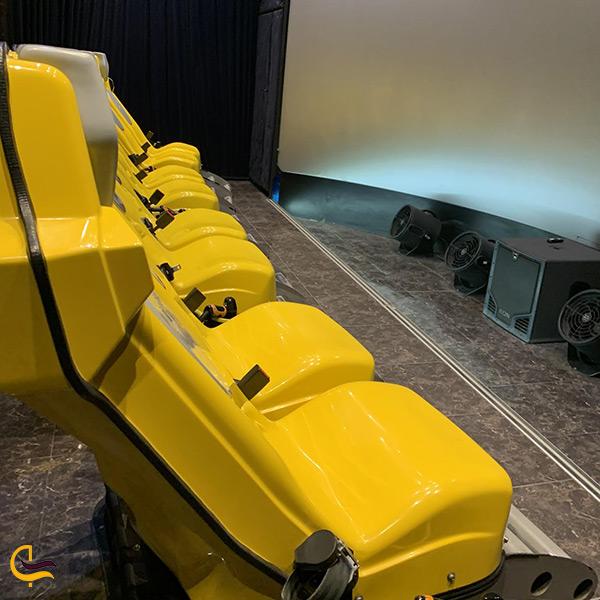 فضای داخلی سینما گیم هفت بعدی پارک آب و آتش
