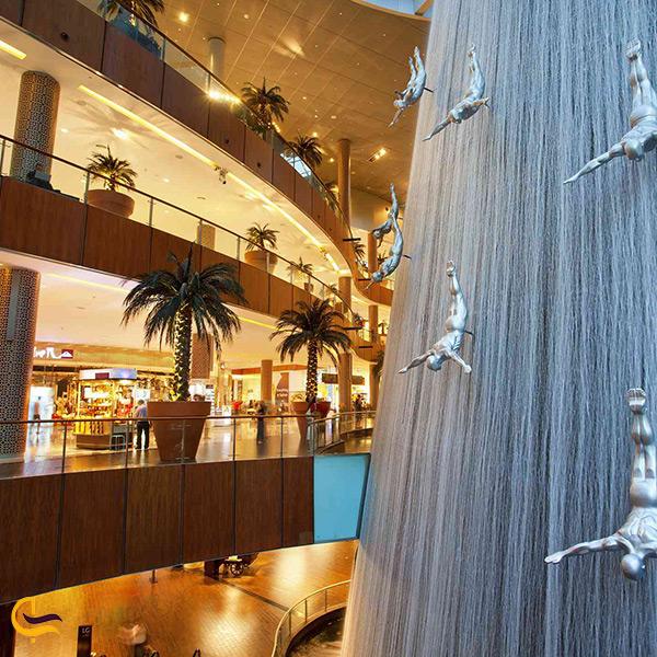 نمای بخشی از مرکز خرید دبی مال