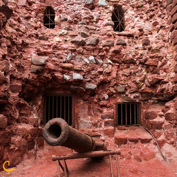 بازدید از قلعه پرتغالیها در جزیره هرمز
