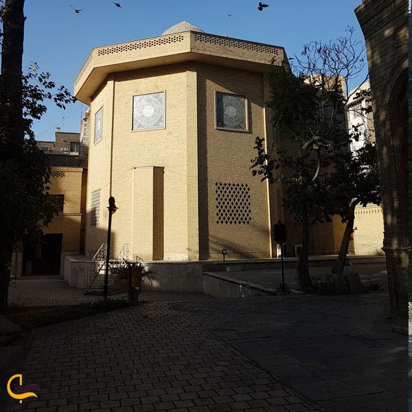 تصویری از نماهای مختلف ازساختمان موزه آبگینه تهران
