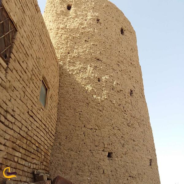 نمای نزدیک قلعه پاچنار سمنان