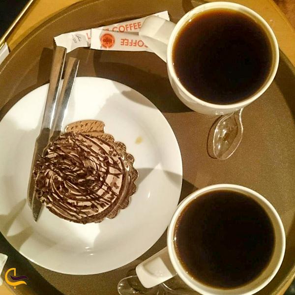 نمایی از بالای قهوه کافهمیز تهران