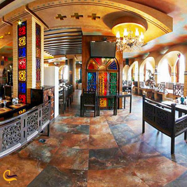 تصویری از فضای ورودی رستوران شهربانو