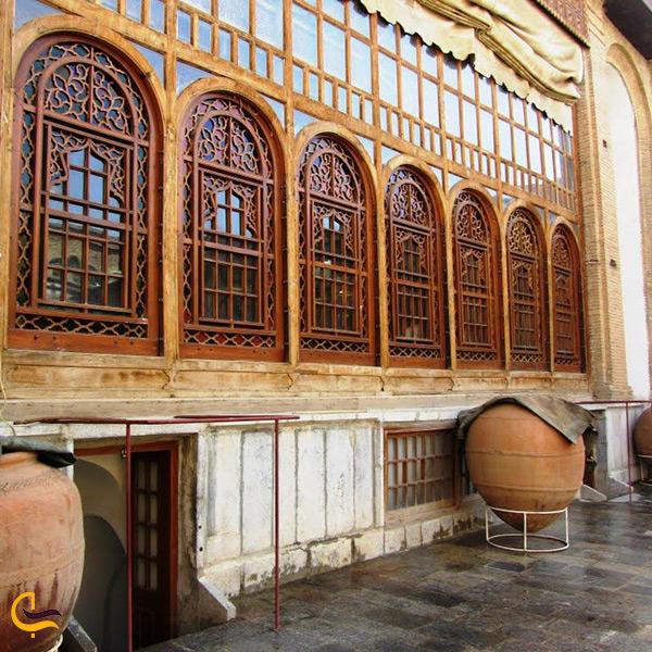 تصویر نمای بیرونی موزه سنندج