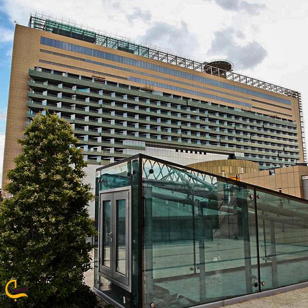 نمای بیرونی هتل ایران مال