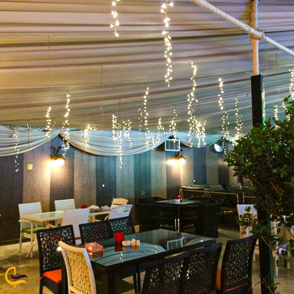 فضای داخلی باغ رستوران باغ نور