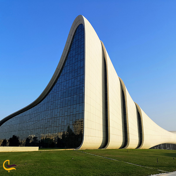 مرکز فرهنگی حیدر علی اف در باکو