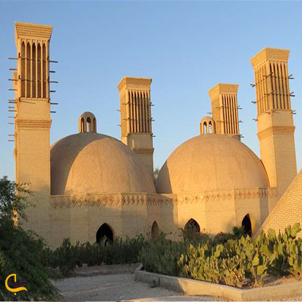 نمایی از مخزن آب تاریخی کیش