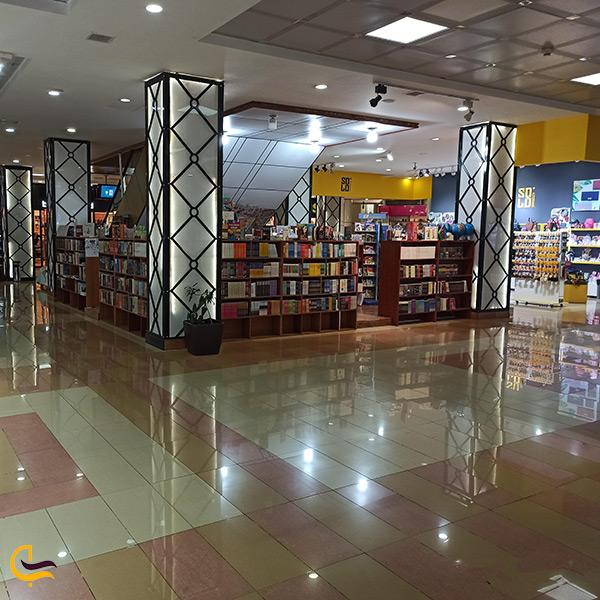داخل مرکز خرید آیگون در باکو