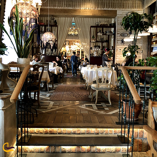 فضای داخلی رستوران ماریوانا باکو
