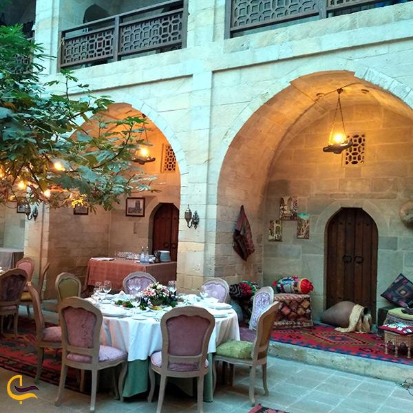 فضای داخلی رستوران موگام کلاب باکو