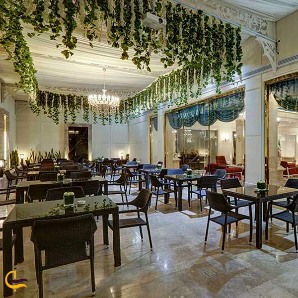 فضای داخلی رستوران پرشین پلازا