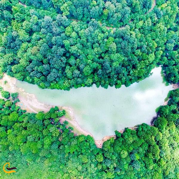 نمایی از بالای دریاچه چورت