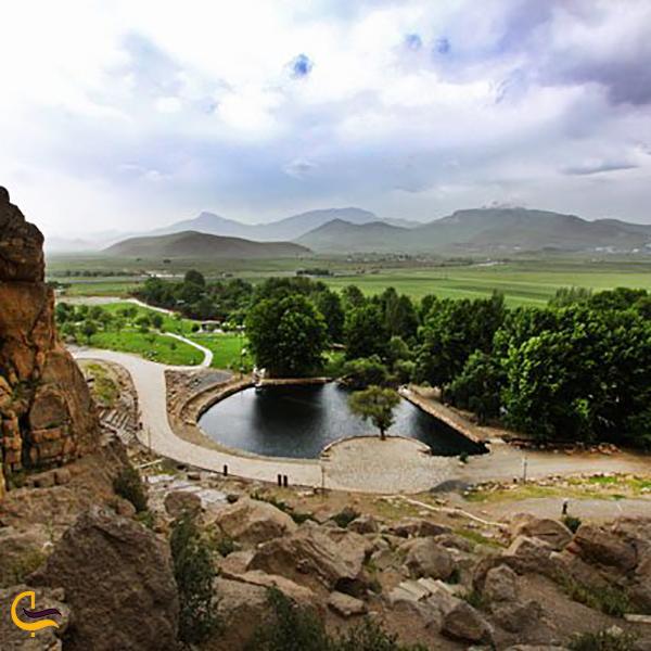تصویری از سراب بیستون کرمانشاه