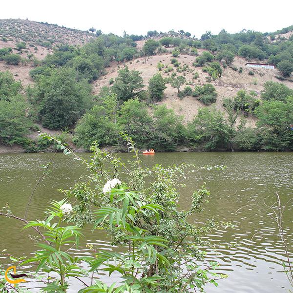 تصویر نمای نزدیک دریاچه شورمست سوادکوه