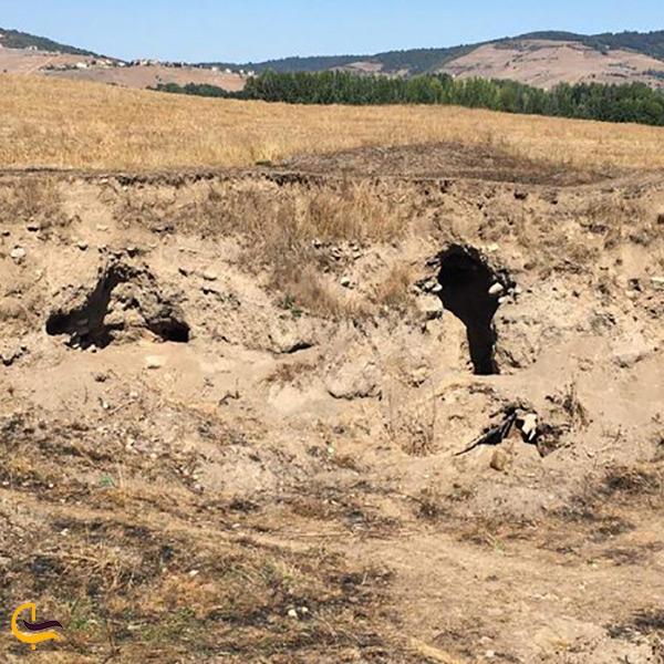 تصویر تپه باستانی و قدیمی کلار کلاردشت