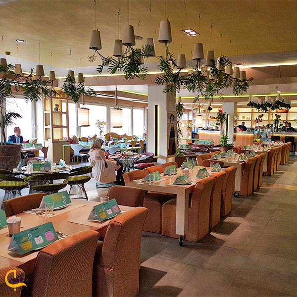 نمایی از سالن پذیرایی رستوران لبنانی کوبابا