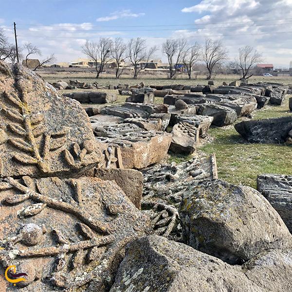 بقایای کلیسای جامع زوارنتوس ارمنستان