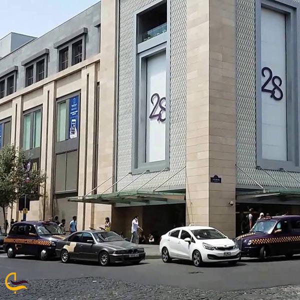 مرکز خرید 28 در باکو