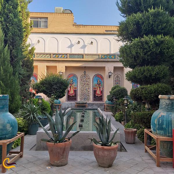 حیاط اندرونی خانه ملاباشی اصفهان