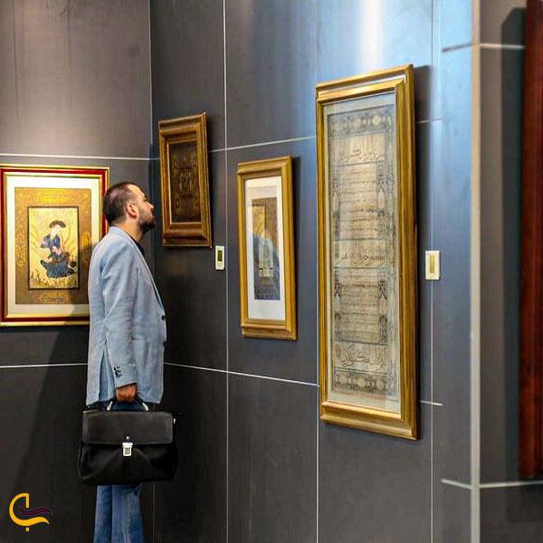 حضور مردم نمایشگاه آثار هنری ایران مال