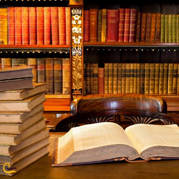 هزاران جلد کتاب در کتابخانه جندی شاپور ایران