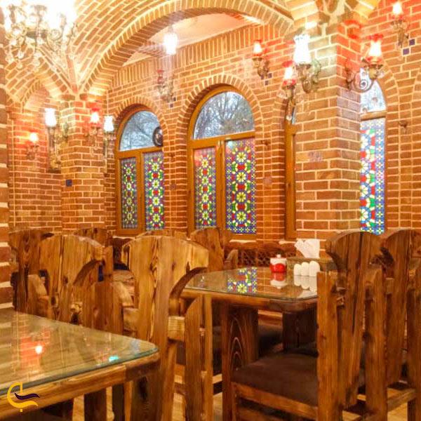 نمای داخلی از فضای سنتی رستوران شهربانو