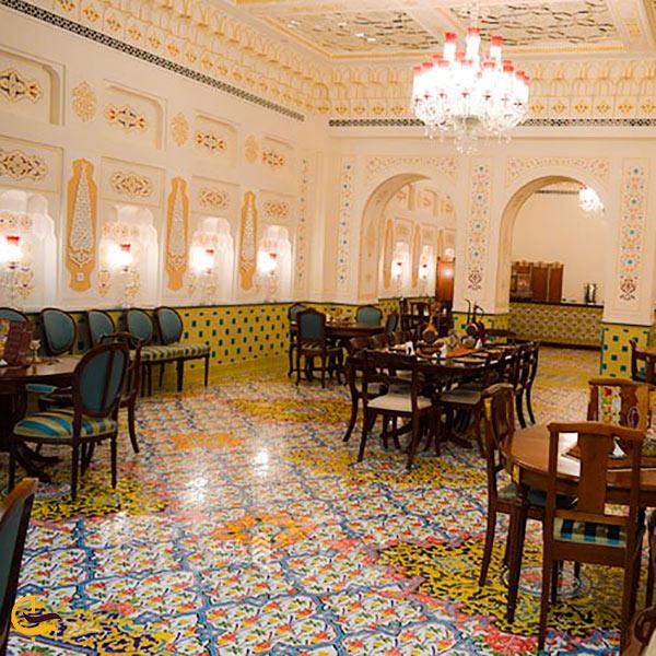 طراحی سنتی فضای داخلی شربت خانه ایران مال