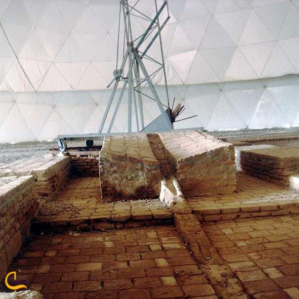 نمای داخل رصدخانه مراغه
