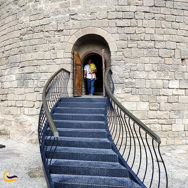 بازدید از قلعه دختر باکو