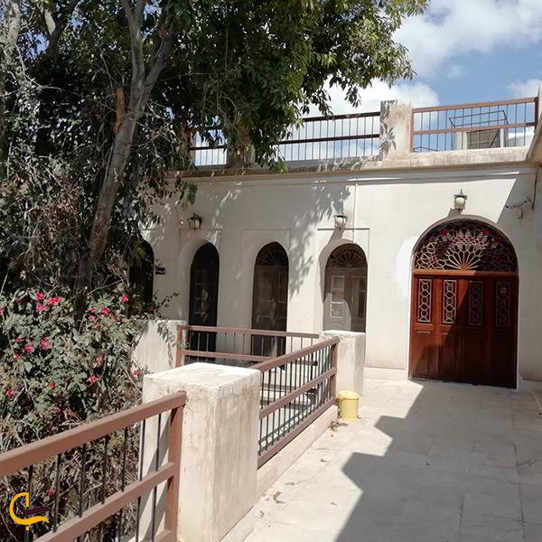 نمایی دیگر از آرامگاه ژنرال انگلیسی در بوشهر