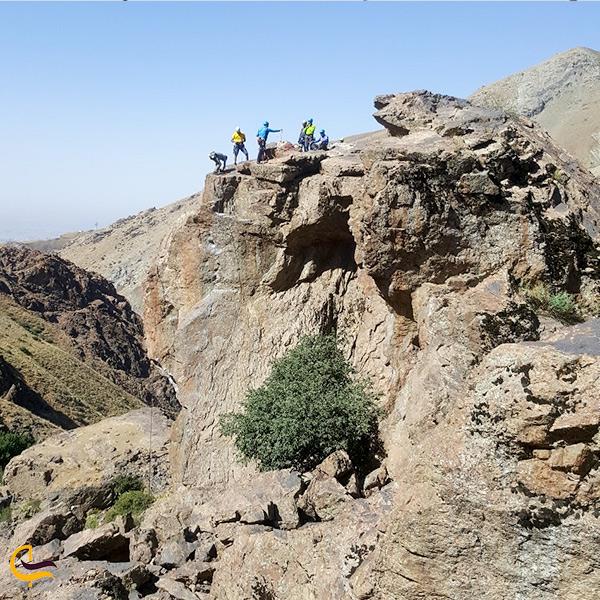 نمایی از کوه های دربند تهران