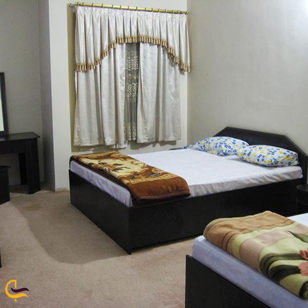 اقامت در هتل بزرگ بیشاپور کازرون
