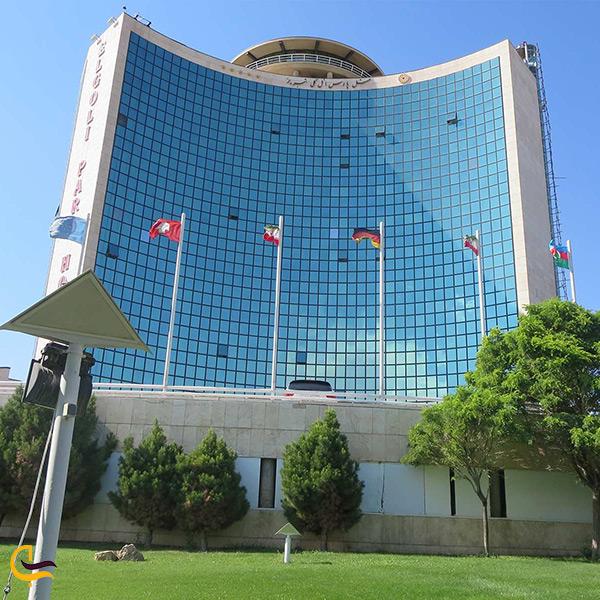 اقامت در هتل پنج ستاره پارس تبریز