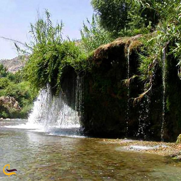 نمایی از آبشار دره انار گتوند
