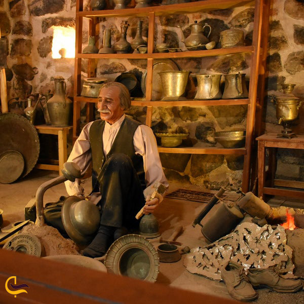 نمایی از آثار موزه مردمشناسی رباط ویرانی