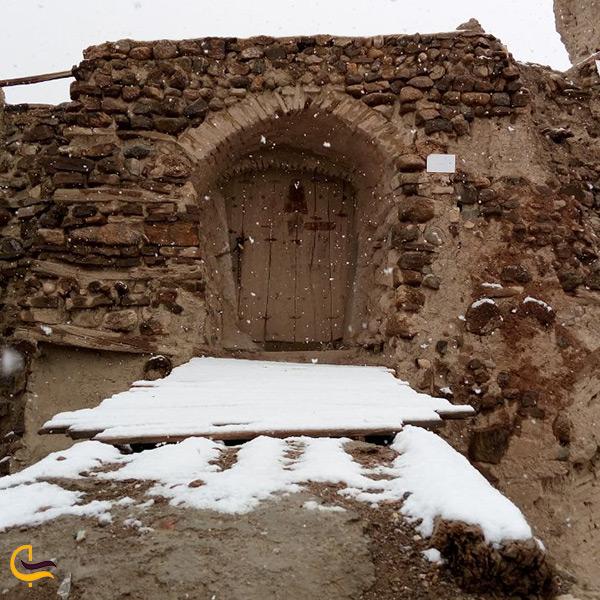در ورودی دژ ایزدخواست استان فارس