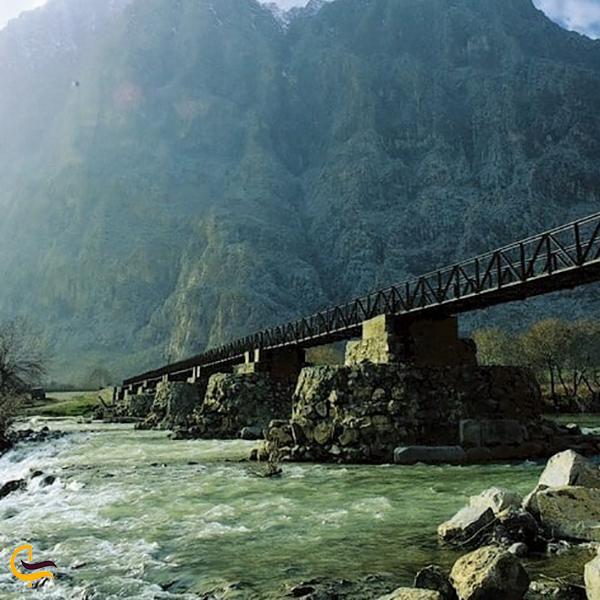 نمایی از پل خسرو بیستون کرمانشاه