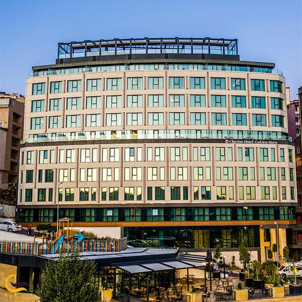 نمایی از هتل کلاریون گلدن هورن