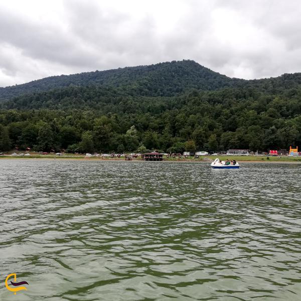 نمایی از دریاچه سد آبیدر