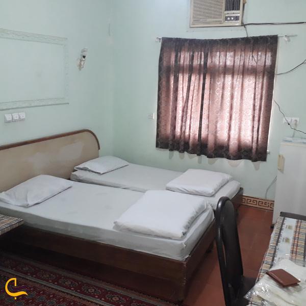 تصویری از اتاق دوتخته هتل فرهیختگان مسجد سلیمان